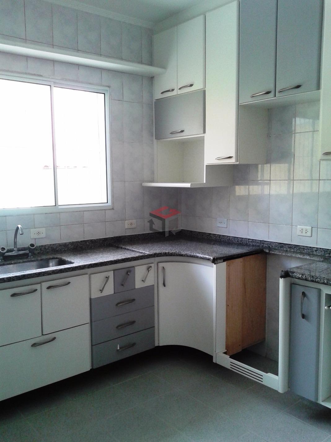 Sobrado de 3 dormitórios em Baeta Neves, São Bernardo Do Campo - SP