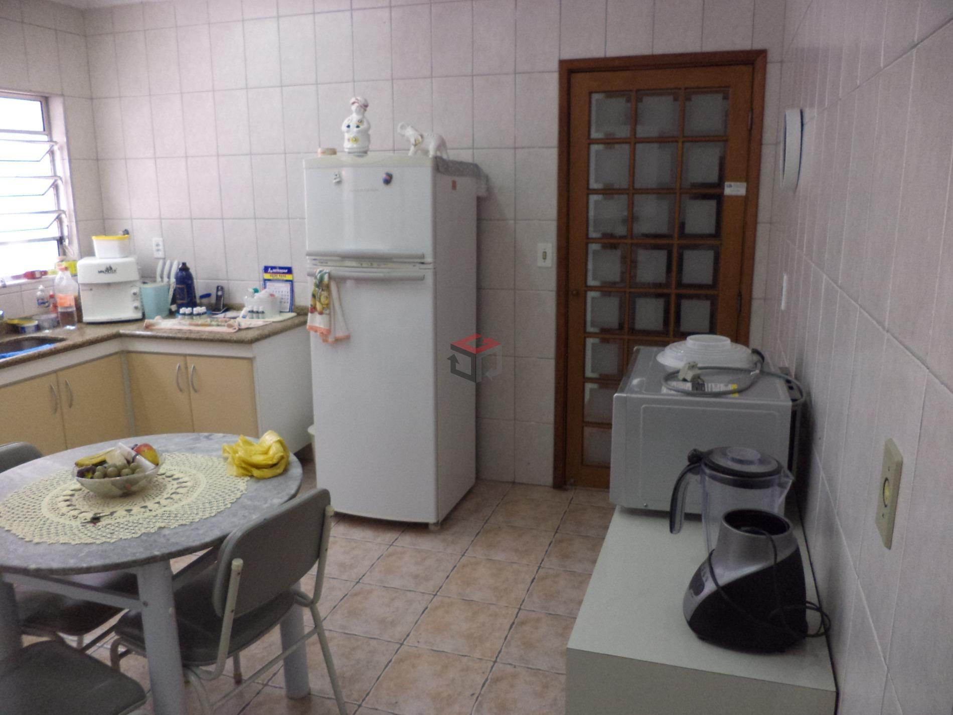 casa térrea em ótima localização - santa maria - scs - com 2 dormitórios com piso...