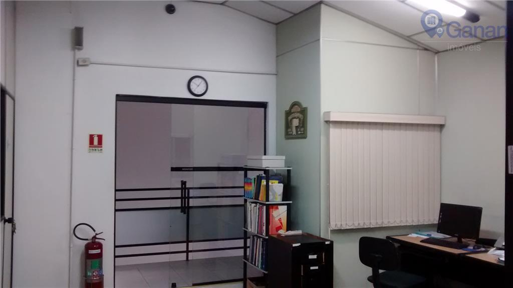 galpão comercial 10 x 60 com pé direito duplo,loja com aproximadamente 100 m², escritório com 6...