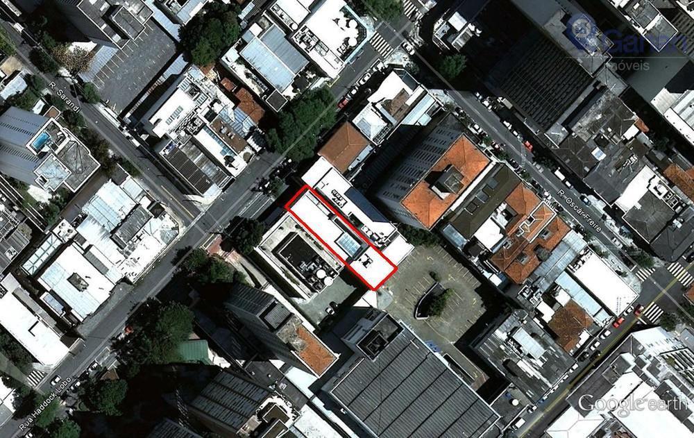 * área útil de 696m²;* frente testada de 10m;* 3 vagas de estacionamento;* piso térreo revestido...