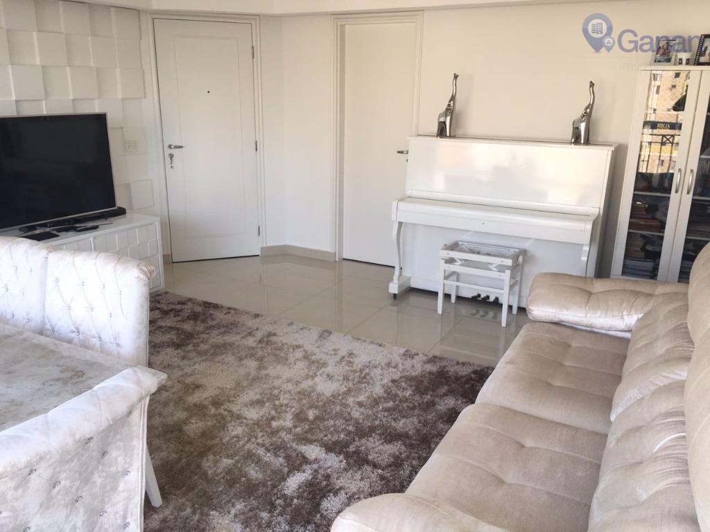 ótimo apartamento todo reformado e mobiliado com 90 m² de área útil, sala com ampla varanda,...