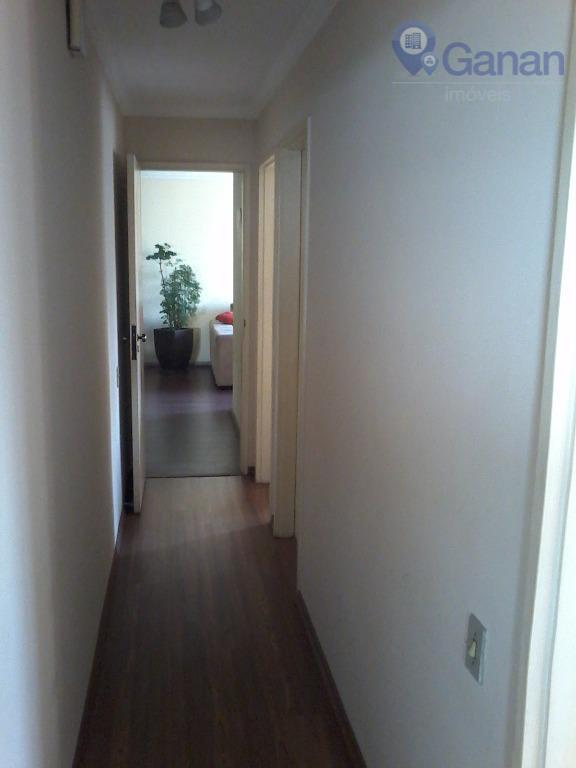 um apartamento com dois dormitórios. e o terceiro reversível.na melhor parte do bairro. saída para várias...