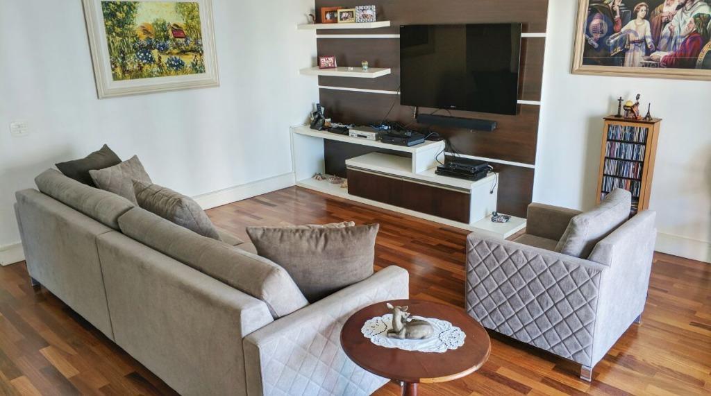 A elegância está presente em cada cômodo desse apartamento, próximo ao Parque da Aclimação!!