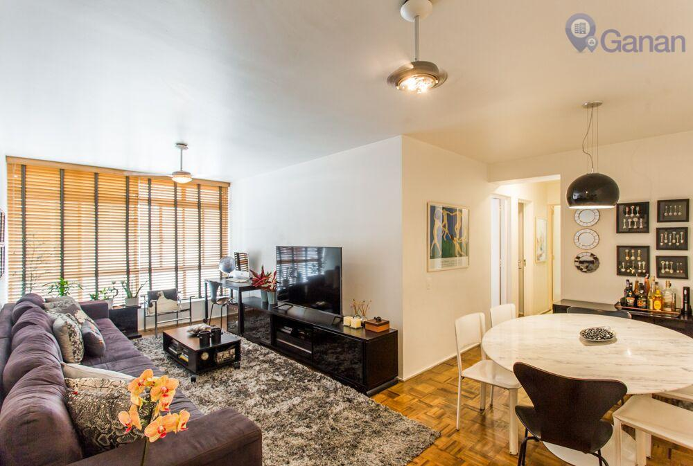 Apartamento com 3 dormitórios, sendo uma suite, 1 garagem.