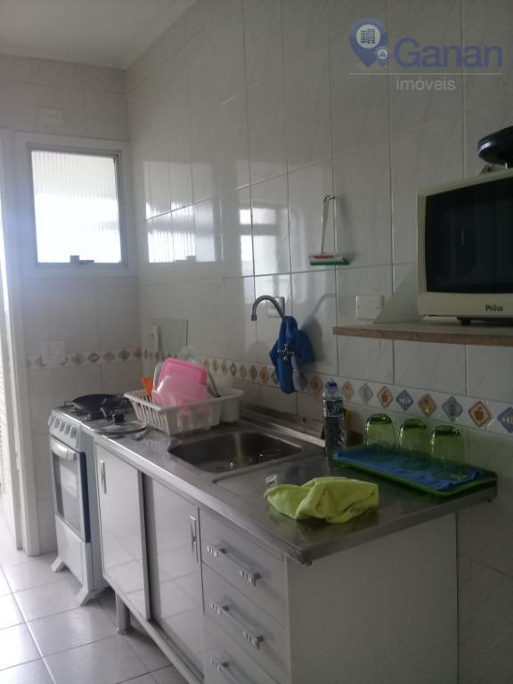 excelente apartamento, living para três ambientes com janelões, pé direito alto, 2 dormitórios amplos, banheiro social,...
