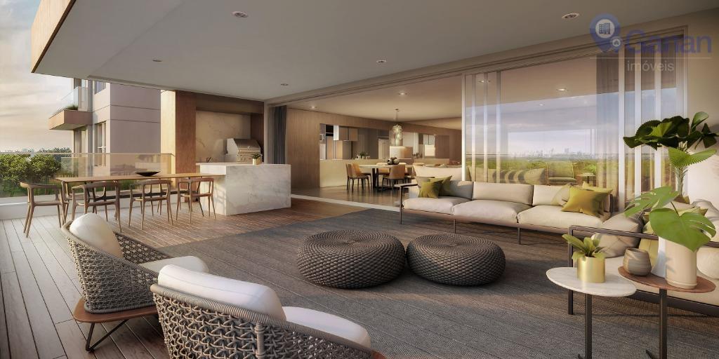 Os apartamentos contam com grandes áreas descobertas privativas. É localizado em área nobre e praticamente integrado ao Parque Villa-Lobo.