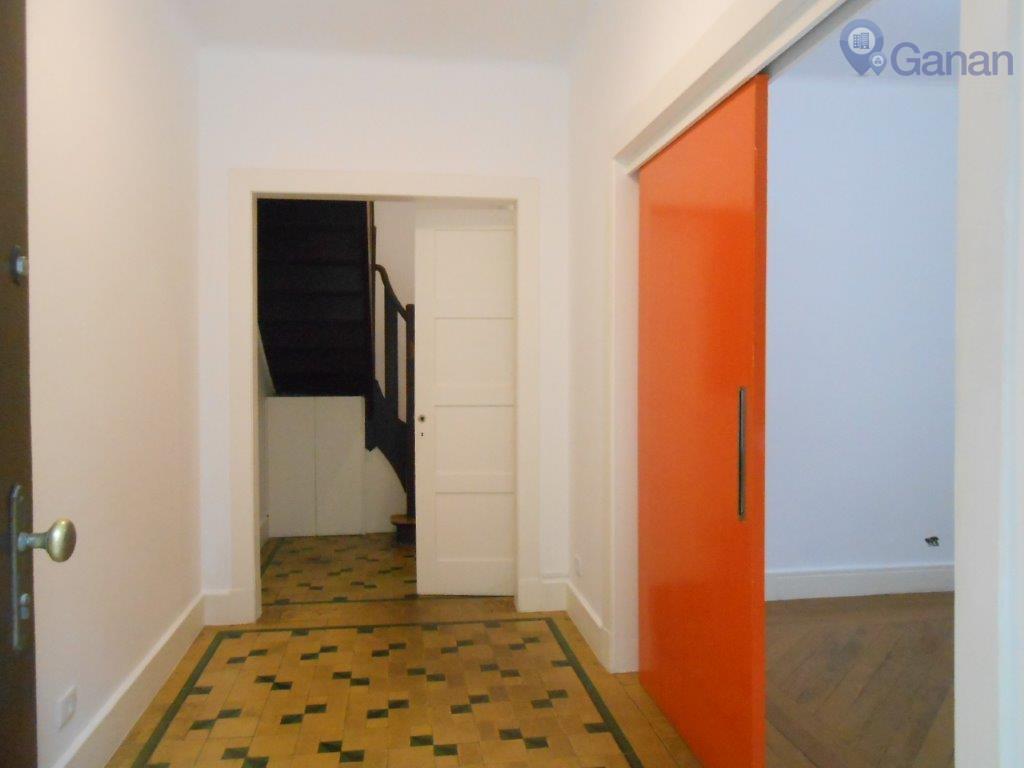 excelente casa comercial de vila com aproximadamente 186 m² de área útil e 59 m² de...