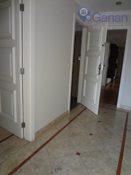 cód.: ap3243 - excelente apartamento com aproximadamente 210 m², 03 suítes, sendo 01 master com terraço,...