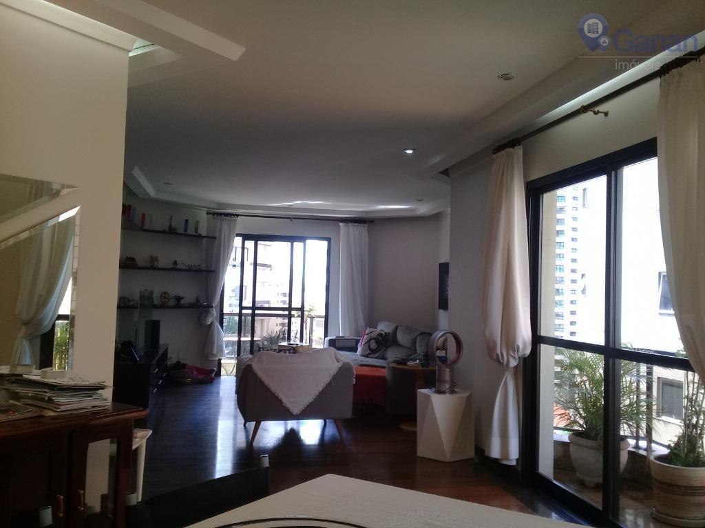 Achamos. Esse aqui é o tal do apartamento dos sonhos. Ele fica no miolo da Aclimação!