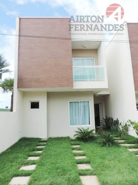 Casa duplex em condominio de alto padrao no Eusébio, com 03 suites, amplo quintal e area de lazer completa