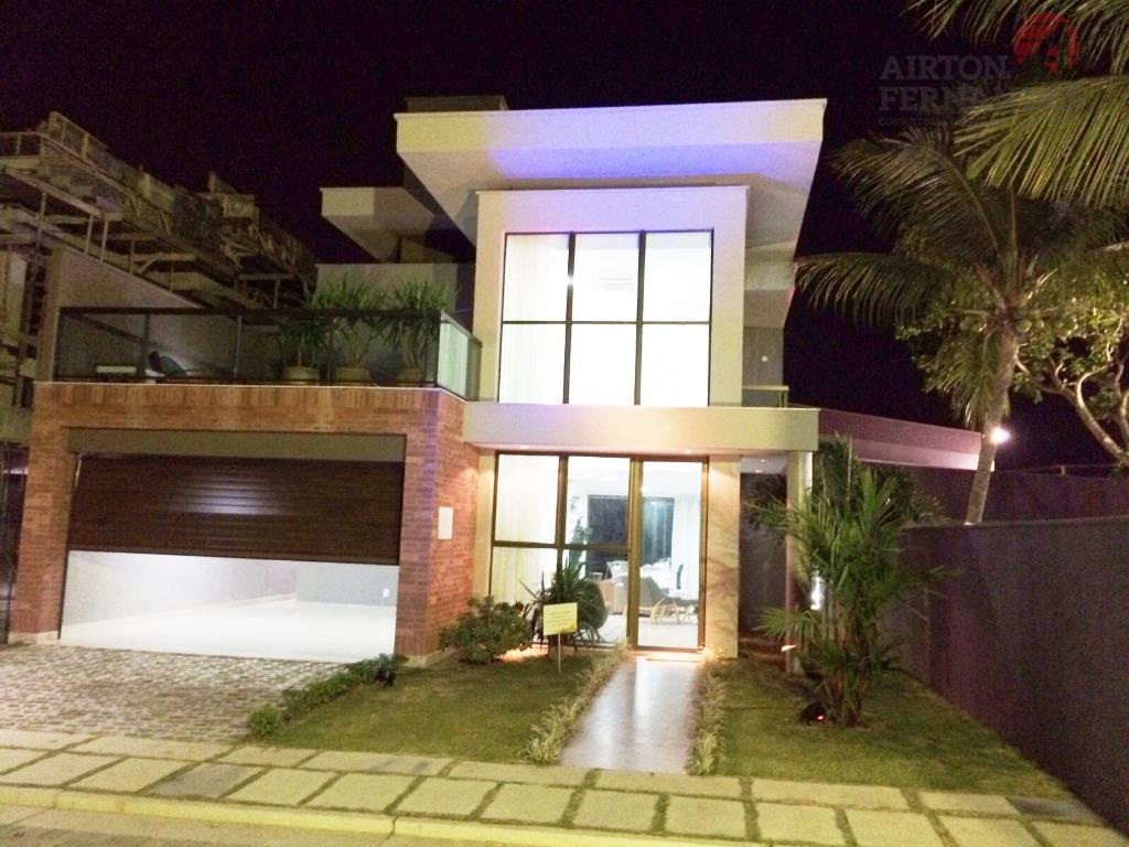 Casa duplex, alto padrão, no Eusébio, 04 vagas, 03 suítes (suite master com closet), lazer completo, amplo quintal