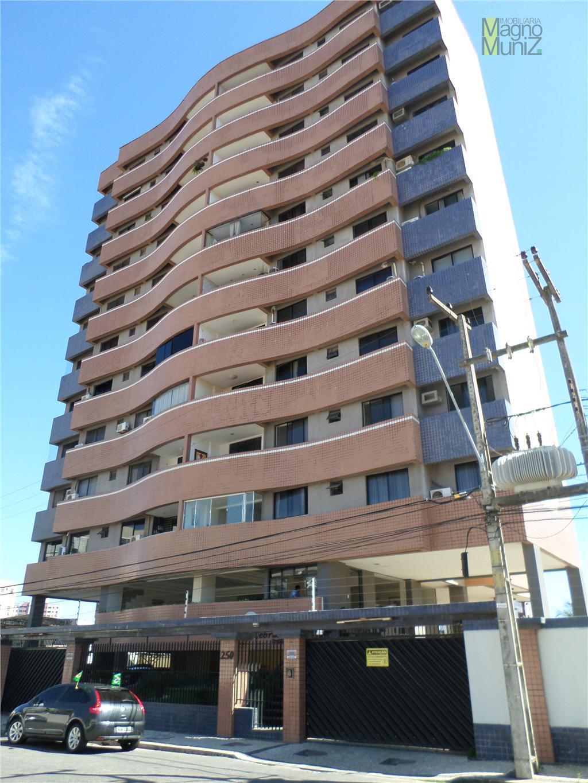 Apartamento à venda com 114 m², 3 suítes, a 300m do Shopping Rio Mar - Papicu