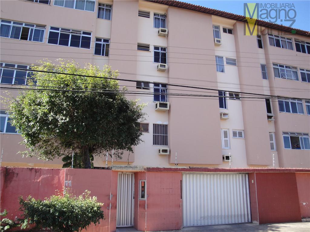 Apartamento com 3 dormitórios à venda, 98 m² por R$ 180.000 - Papicu - Fortaleza/CE