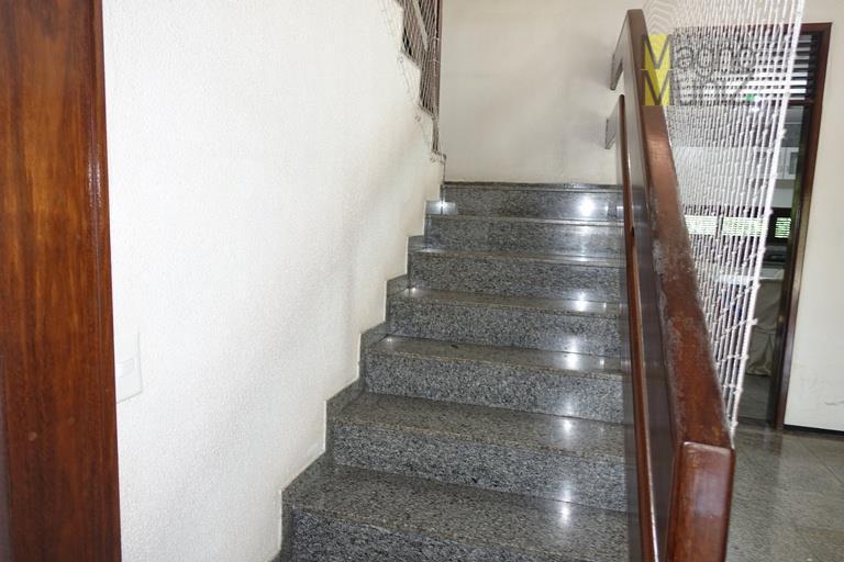 casa para alugar na cidade dos funcionários, alto padrão, estilo bangalô, 30 metros da avenida oliveira...