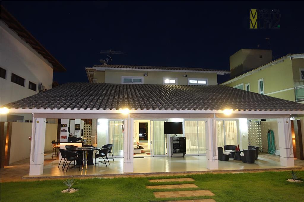 Casa Duplex residencial à venda, Coaçu, Eusébio, Quintas do Lago - More com muito estilo e conforto nessa mansão.