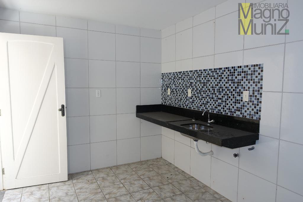 casa em ótima localização, próxima a tudo que sua família precisa!- condomínio residencial estrela i -localizada...