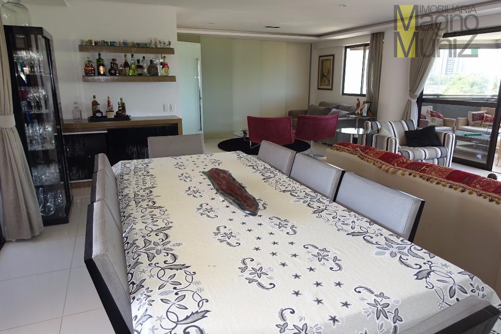 Ampla sala com varanda gourmet