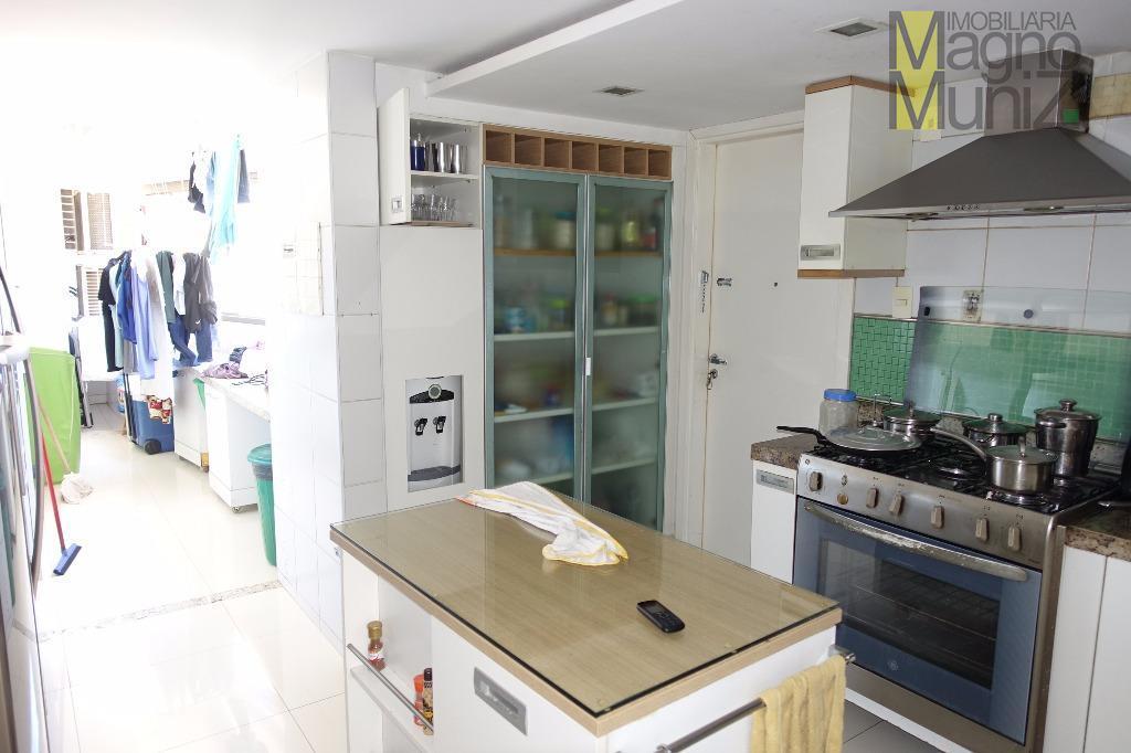 Cozinha projetada com armários