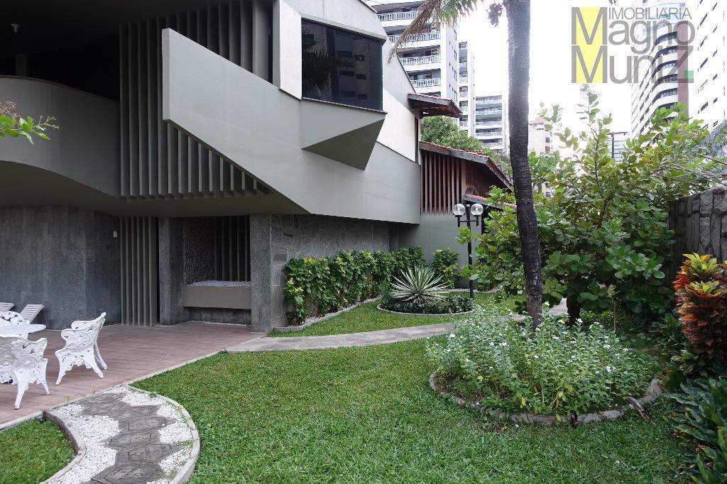 mansão de arquitetura contemporânea com excelente localização.rua visconde de mauá, 615 esquina com a república do...