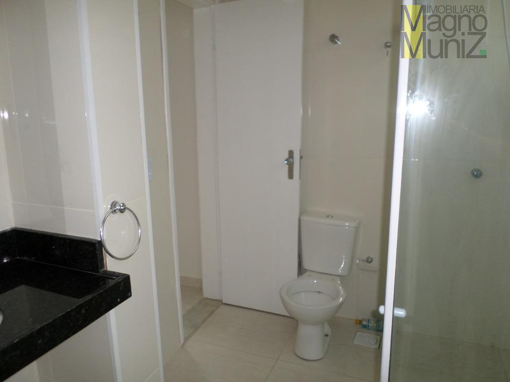 venha morar com sua família em um excelente apartamento recem reformado no meireles, disponível para vendal!-...