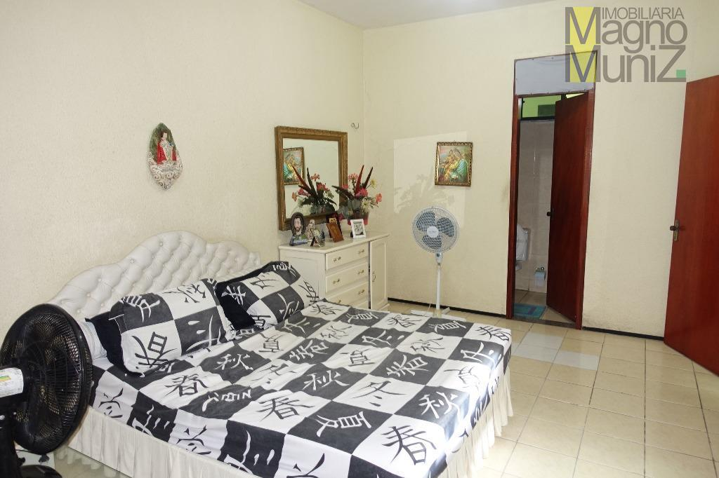 casa duplex para locar ou vender na av. leste oeste disponível para comercial ou residencial.entre em...