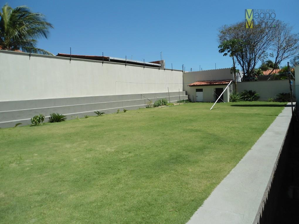 belíssima mansão no bairro dunas, com 1.250,00m² de terreno, 567m² de área construída.localizada na av. trajano...