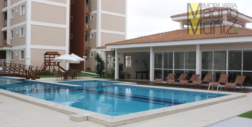 Apartamento com 3 dormitórios à venda por R$ 245.000