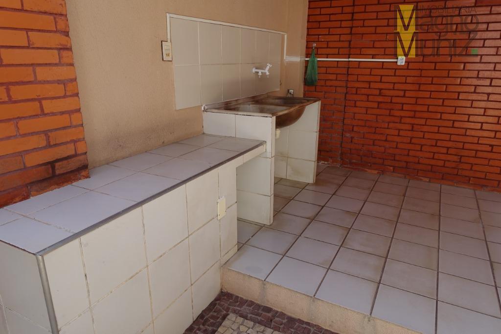 mansão no bairro dunas, com 1.200,00m² de terreno, 510m² de área construída.- rua dr. pedro sampaio,...