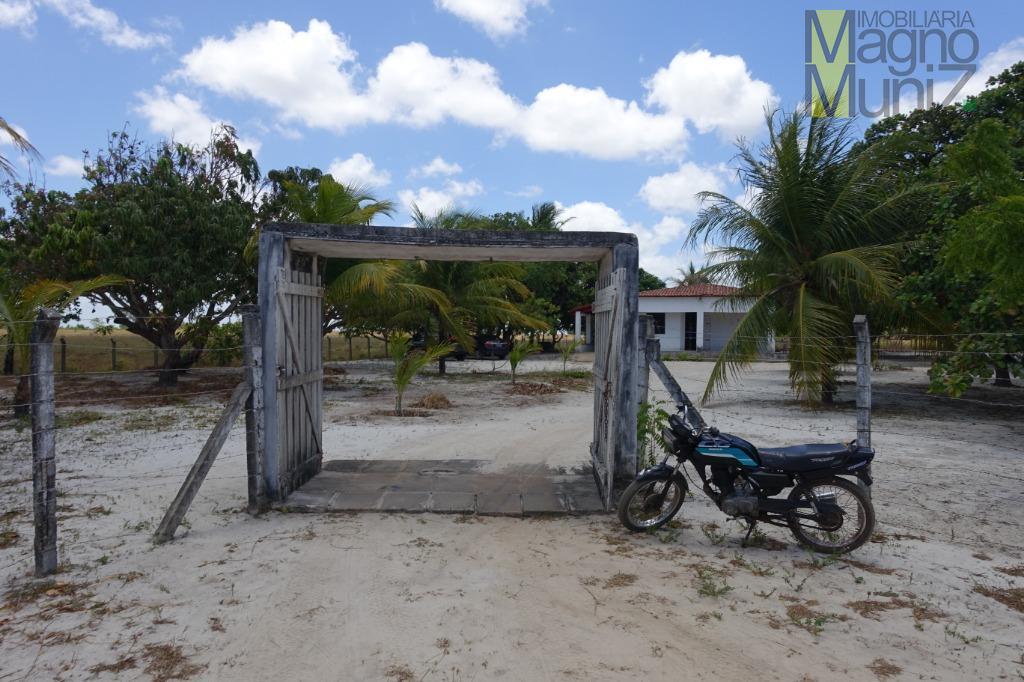 Sitio Buriti Alto - Terreno Amplo com casa de 3 quartos