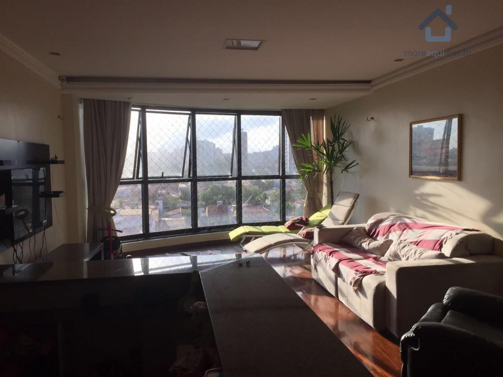 Apartamento à venda com uma ampla sala, Varjota, Fortaleza.