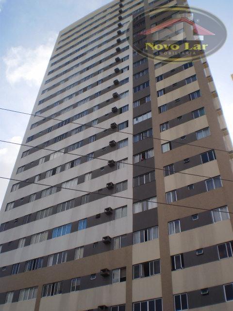 Apartamento residencial à venda, Fátima, Fortaleza - AP0221.