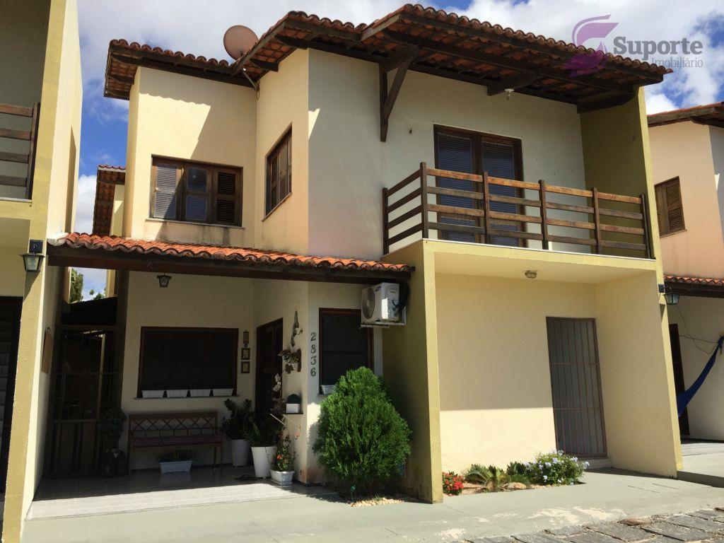 Casa em condomínio multifamiliar na Sapiranga