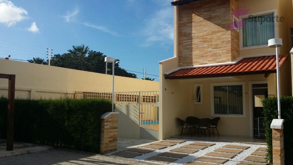 Casa na Lagoa Redonda com  boa área privativa