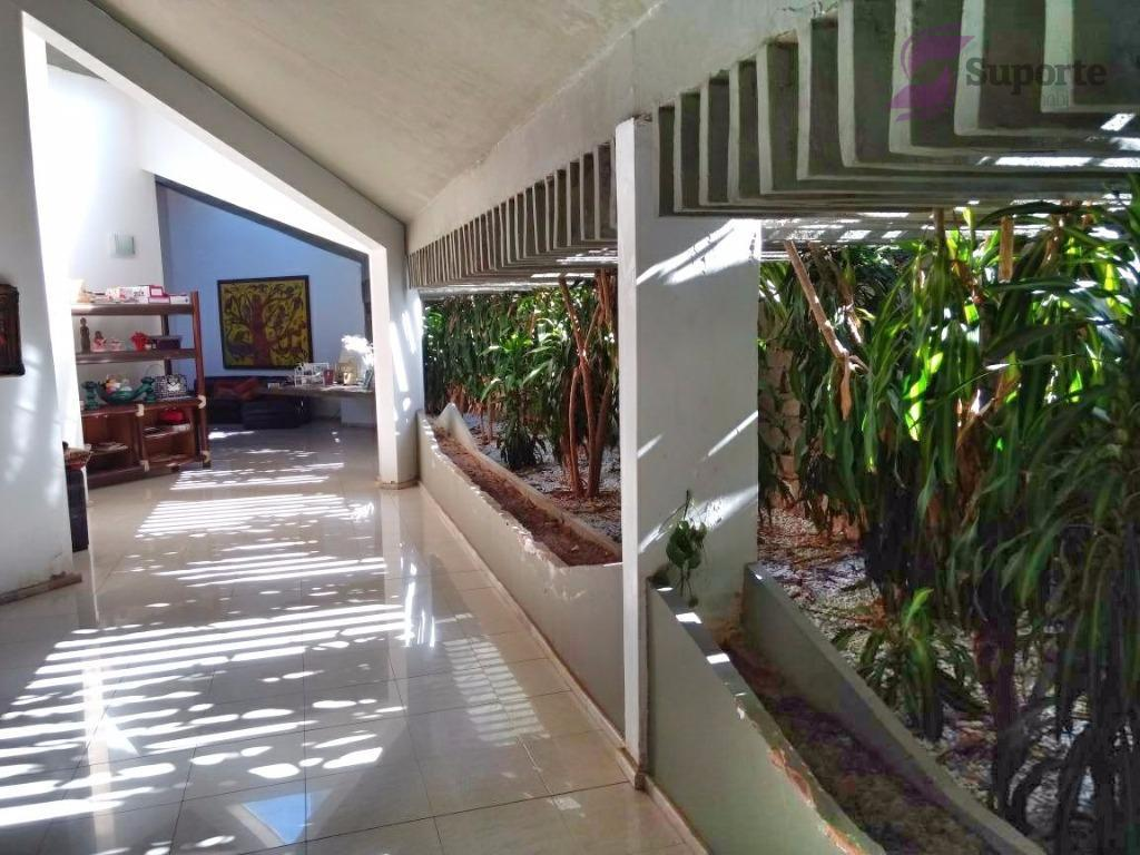 Ampla casa na Praia do futuro!