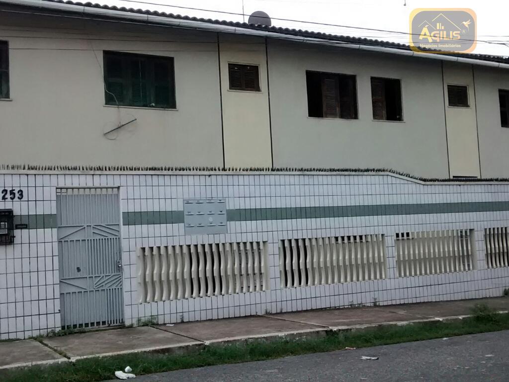 Apartamento com 2 dormitórios para alugar, 50 m² por R$ 649,00/mês - João Xxiii - Fortaleza/CE