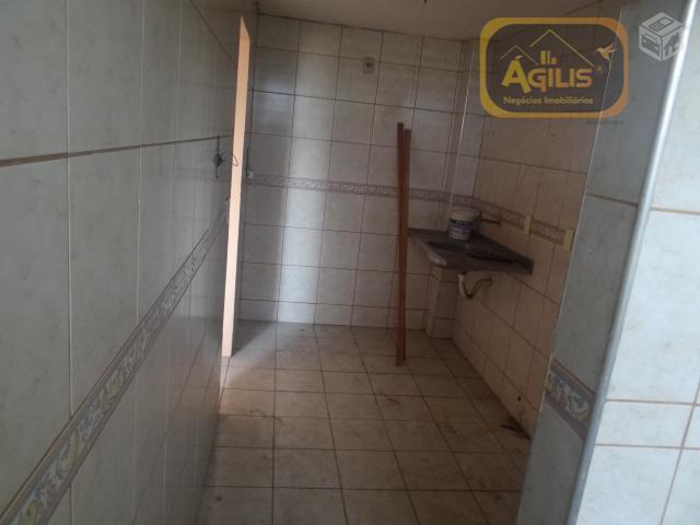 vende ou aluga excelente apartamento na serrinha - com 01 sala, 02 quartos, 01 banheiros, 01...