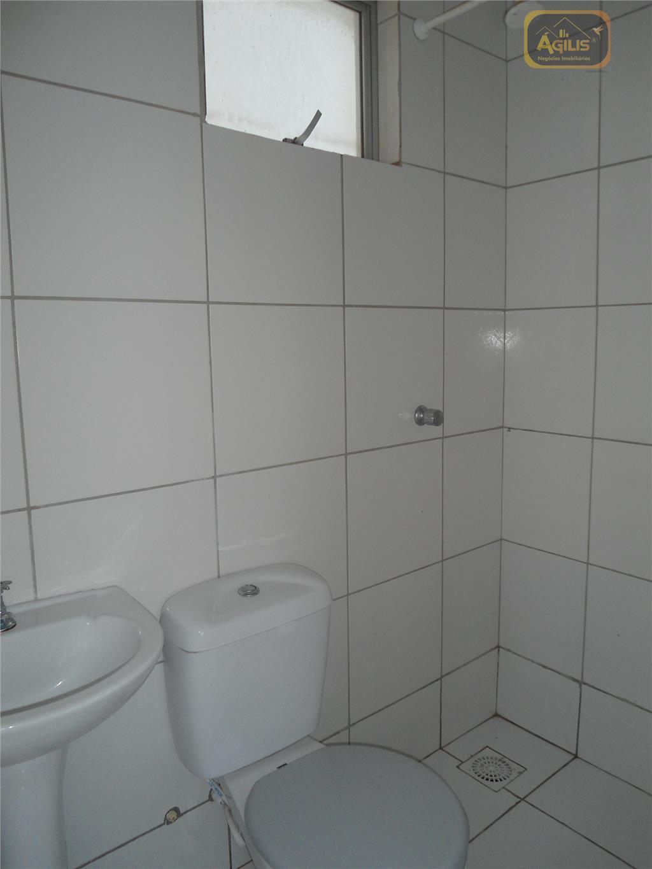 aluga-se excelente apartamento no cond. residencial piatã - com 01 sala, 02 quartos sendo 01 suíte,...