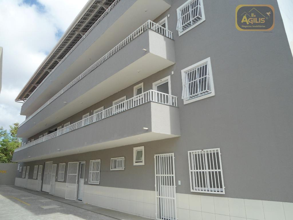 Apartamento com 2 dormitórios para alugar, 32 m² por R$ 549/mês - Montese - Fortaleza/CE