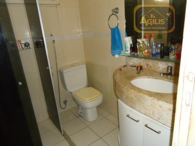 belíssima casa duplex á venda na parquelândia medindo 327,02m² próxima ao luanas buffet com 04 salas,...
