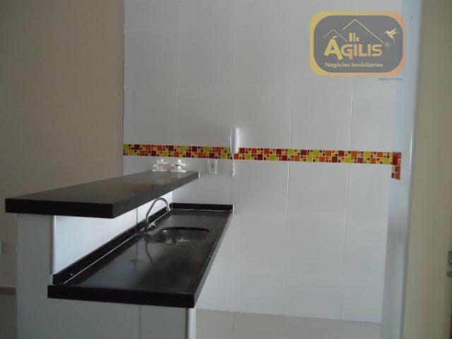 ótima casa para alugar no siqueira com excelente acabamento no porcelanato, sendo sala 2 ambientes com...