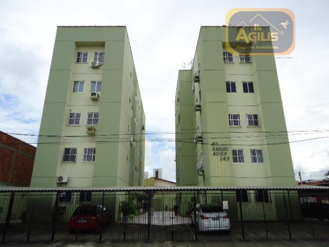Apartamento com 3 dormitórios para alugar, 80 m² por R$ 699/mês - Vila União - Fortaleza/CE