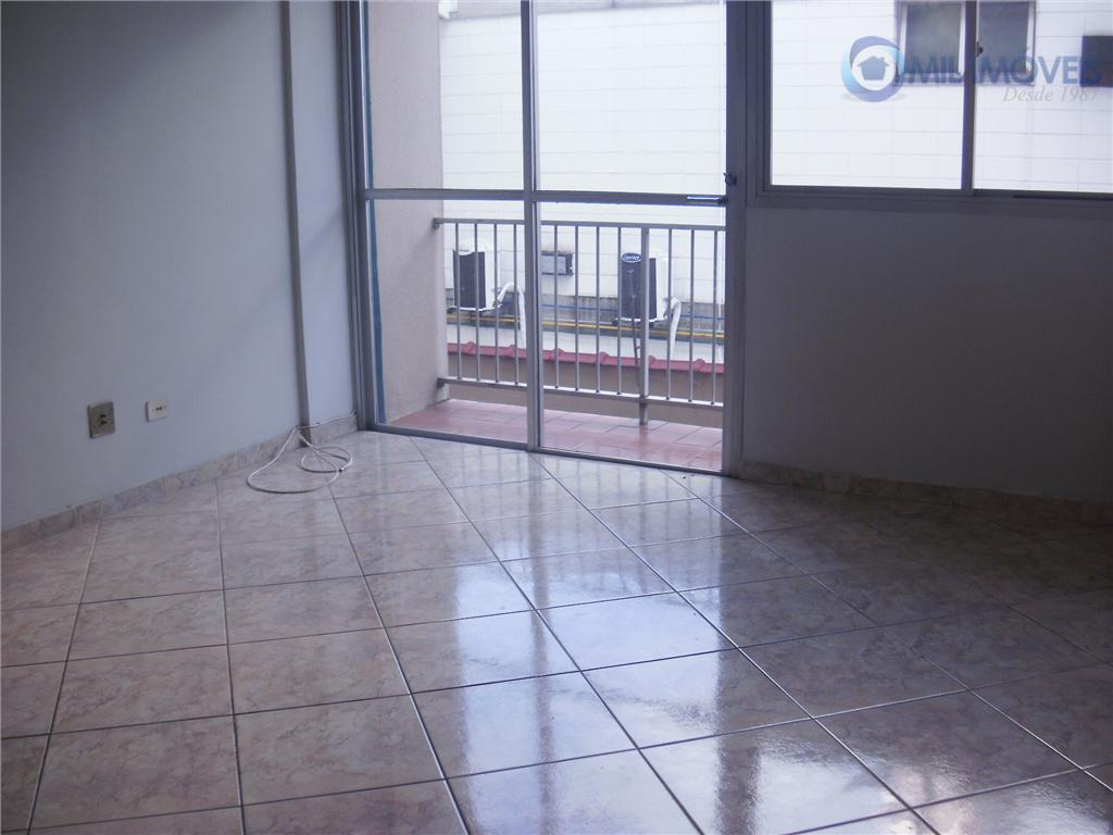 Apartamento com 2 dormitórios para alugar, 70 m² por R$ 900/mês - Vila Betânia - São José dos Campos/SP