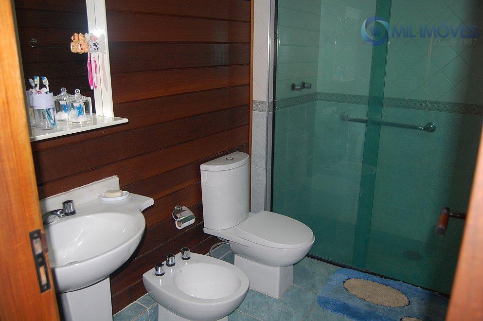aquarius 5 - condomínio fechado - casa térrea 4 dormitórios, 2 suítes, armários, sala de estar,...