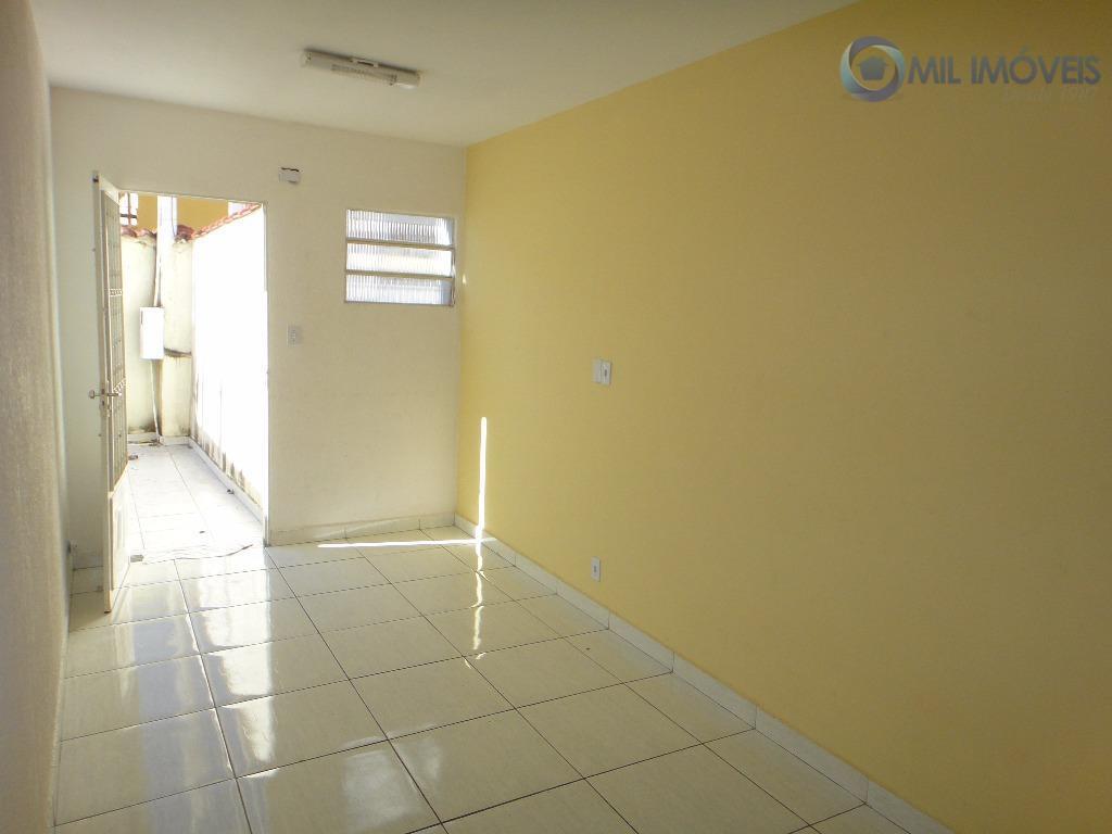 Casa com 3 dormitórios para alugar, 89 m² por R$ 1.000/mês - Jardim das Indústrias - São José dos Campos/SP