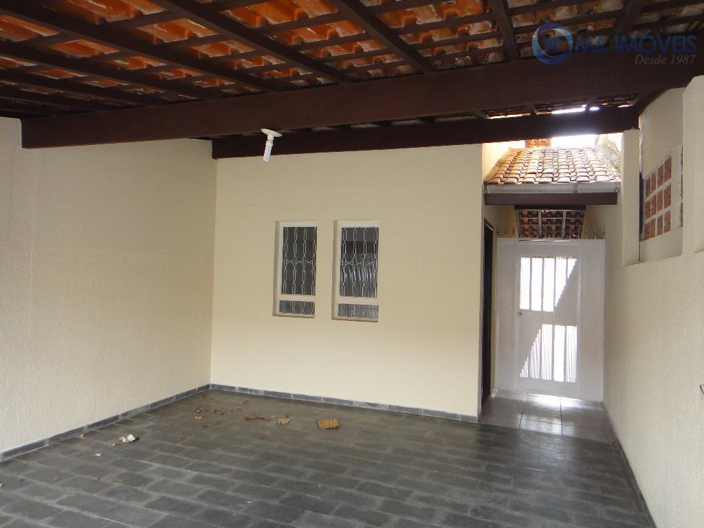 Casa com 3 dormitórios para alugar, 88 m² por R$ 1.400/mês - Jardim das Indústrias - São José dos Campos/SP