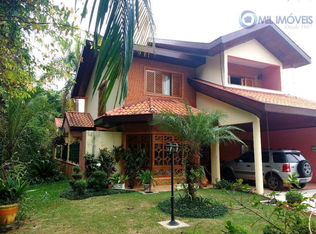 Sobrado à venda, Condomínio fechado - 3 dormitórios, suíte, 3 salas - Urbanova, São José dos Campos.