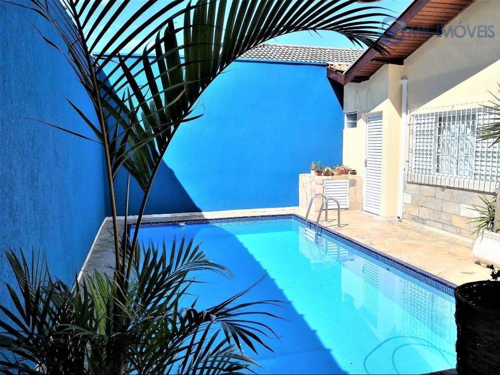 Jardim das Industrias, São José dos Campos - Casa 3 dormitórios, suíte, piscina, churrasqueira.