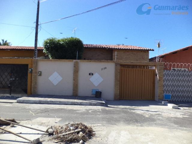 Casa residencial à venda, Cidade dos Funcionários, Fortaleza - CA0126.