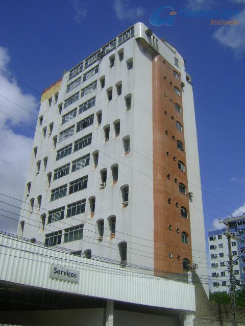 Apartamento residencial à venda, Cocó, Fortaleza - AP0198.