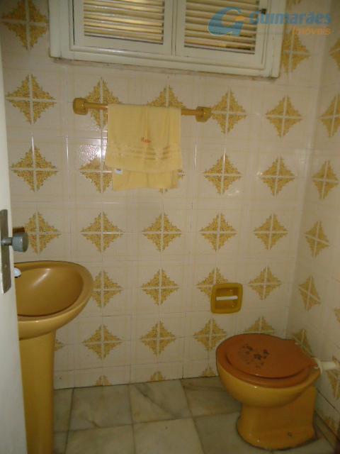wc bar